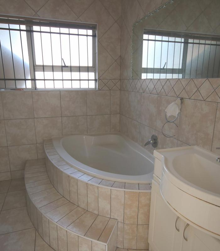Property For Sale in Morgenster, Cape Town 18